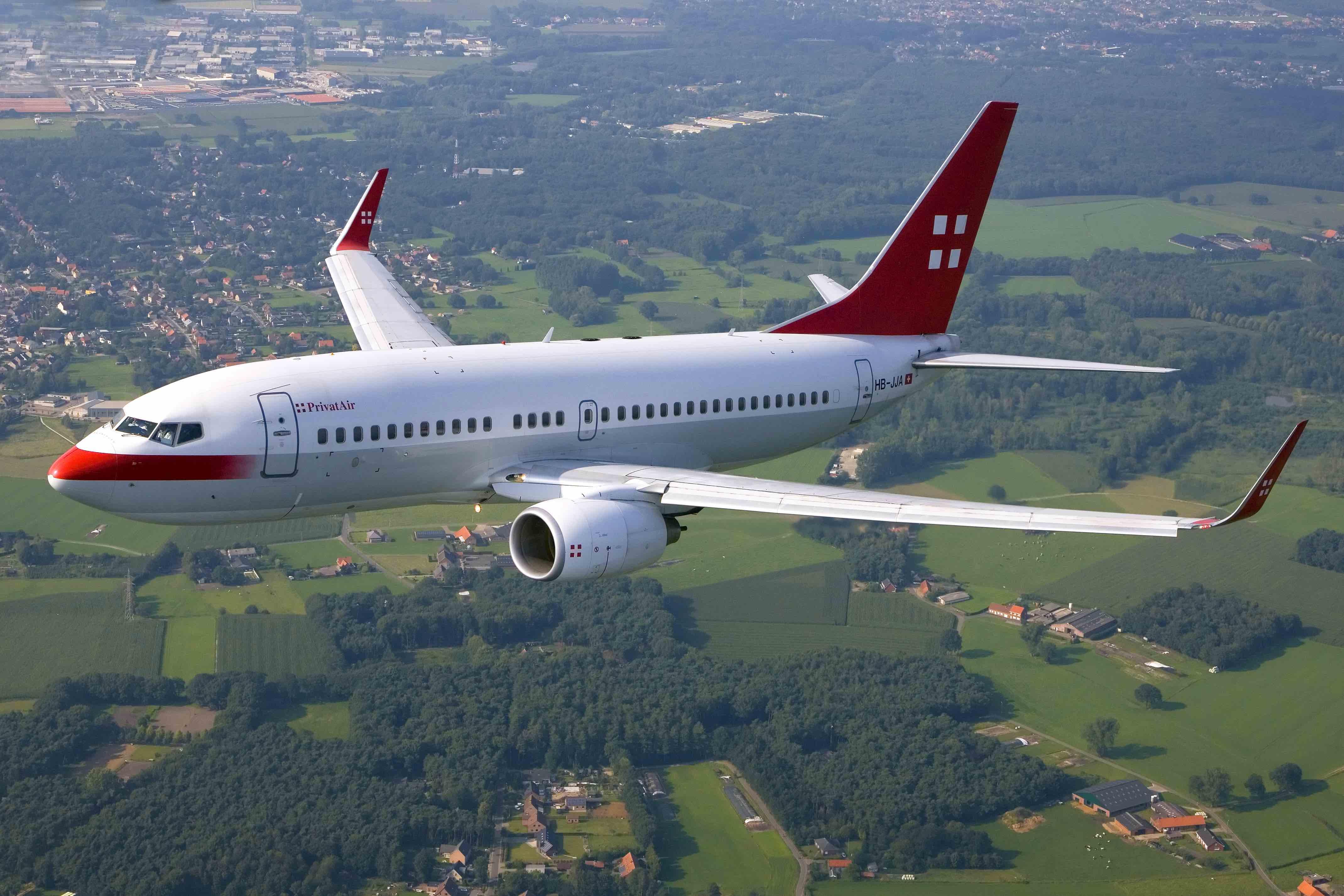 PrivatAir-737-700