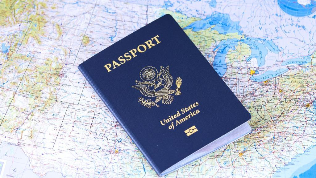 passport-2642170_1920_0