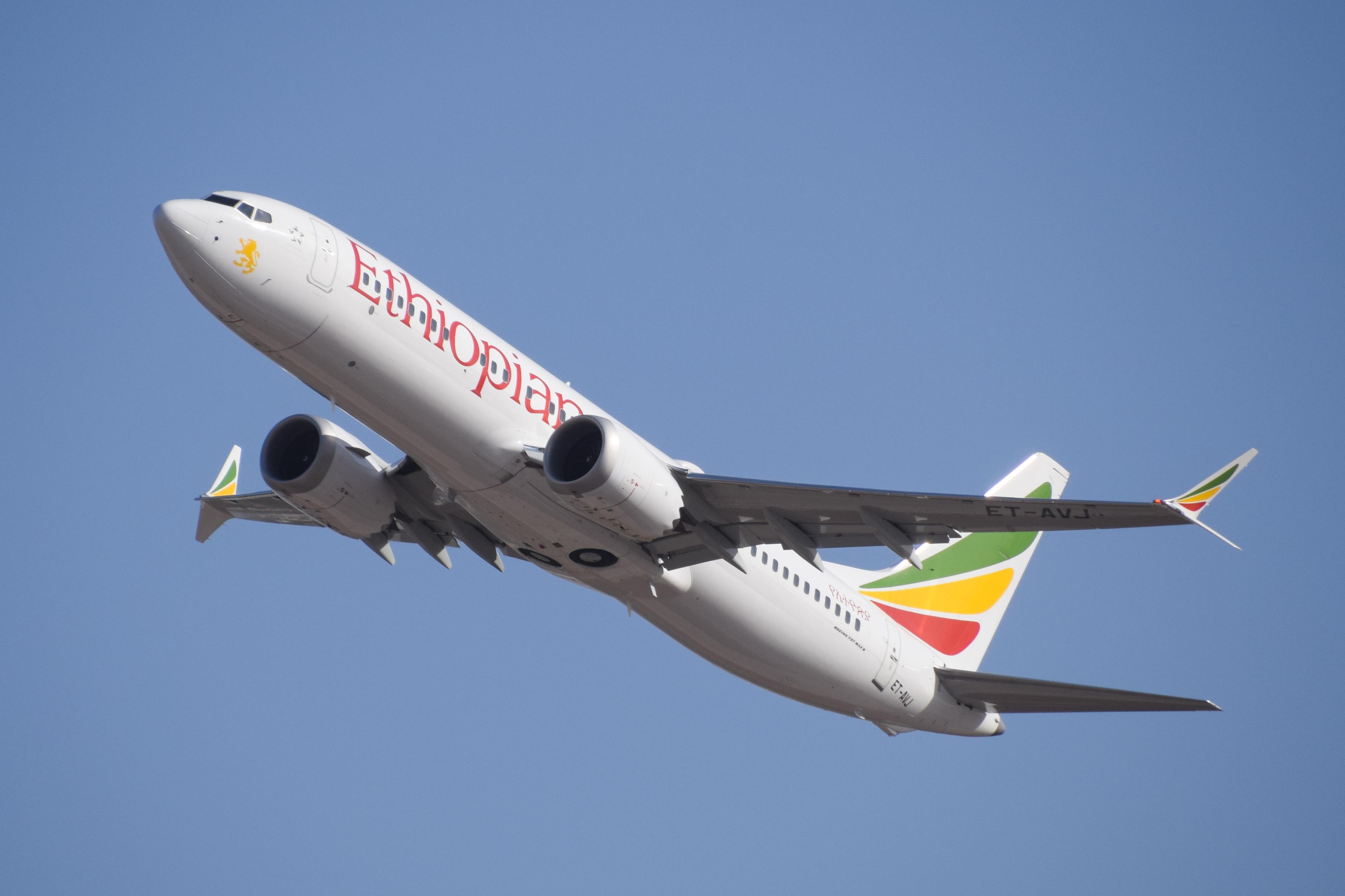 Ethiopian_Airlines_ET-AVJ_takeoff_from_TLV_(46461974574)