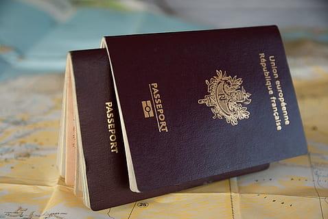 passport-border-customs-traveler-thumbnail