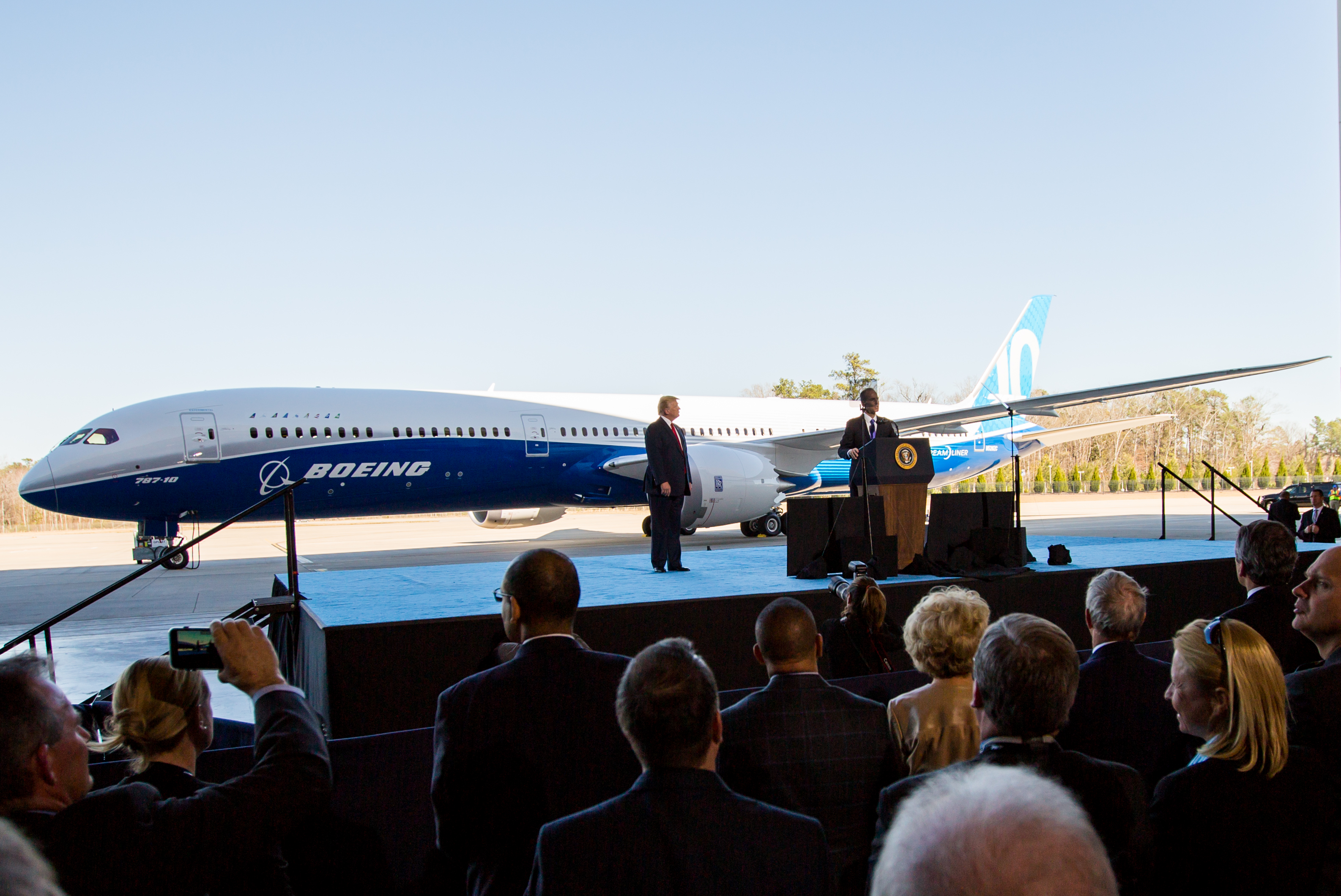Boeing_787-10_rollout_with_President_Trump_(32335755473)_(cropped)