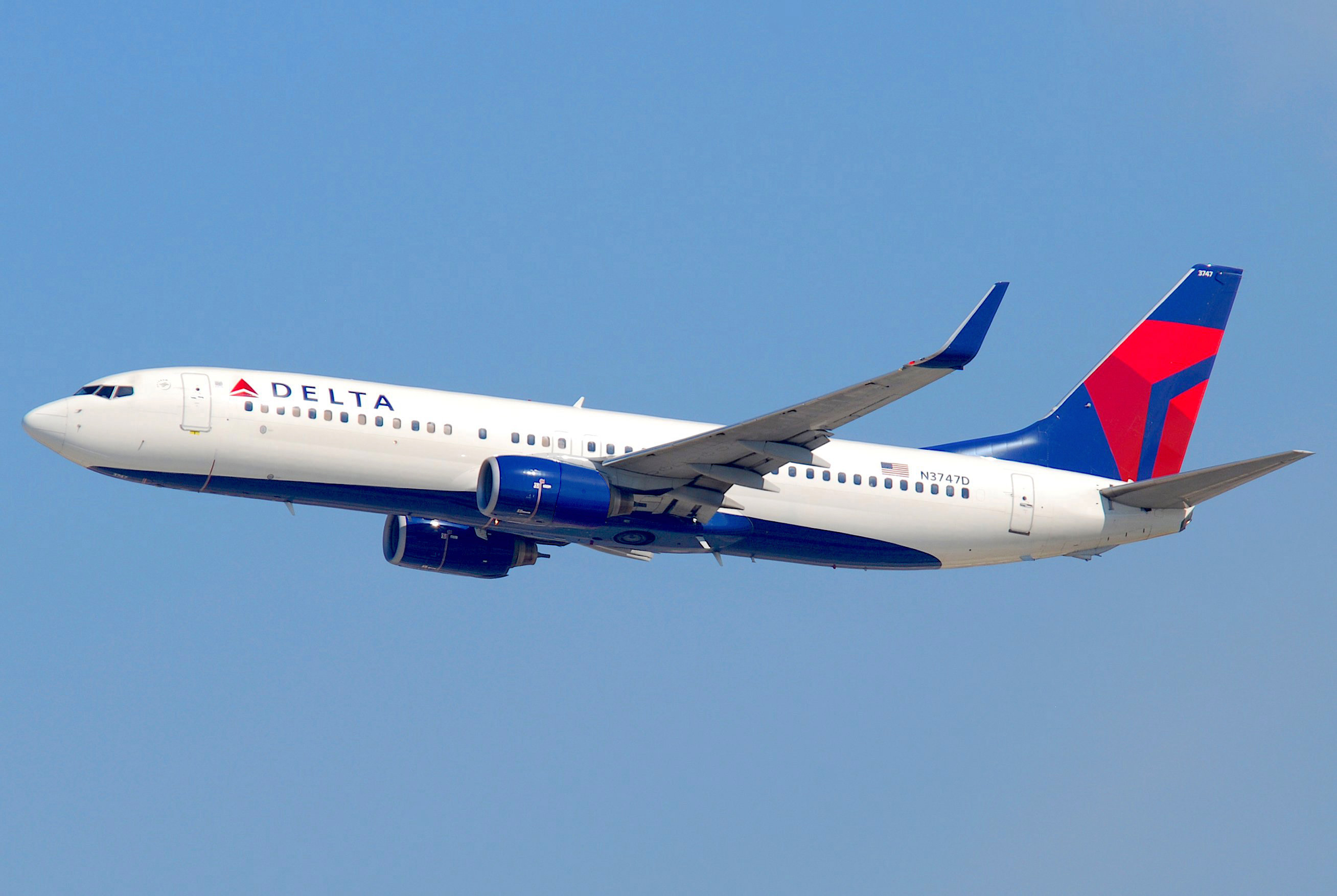Delta_Air_Lines_Boeing_737-832;_N3747D@LAX;10.10.2011_622in_(6482376485)