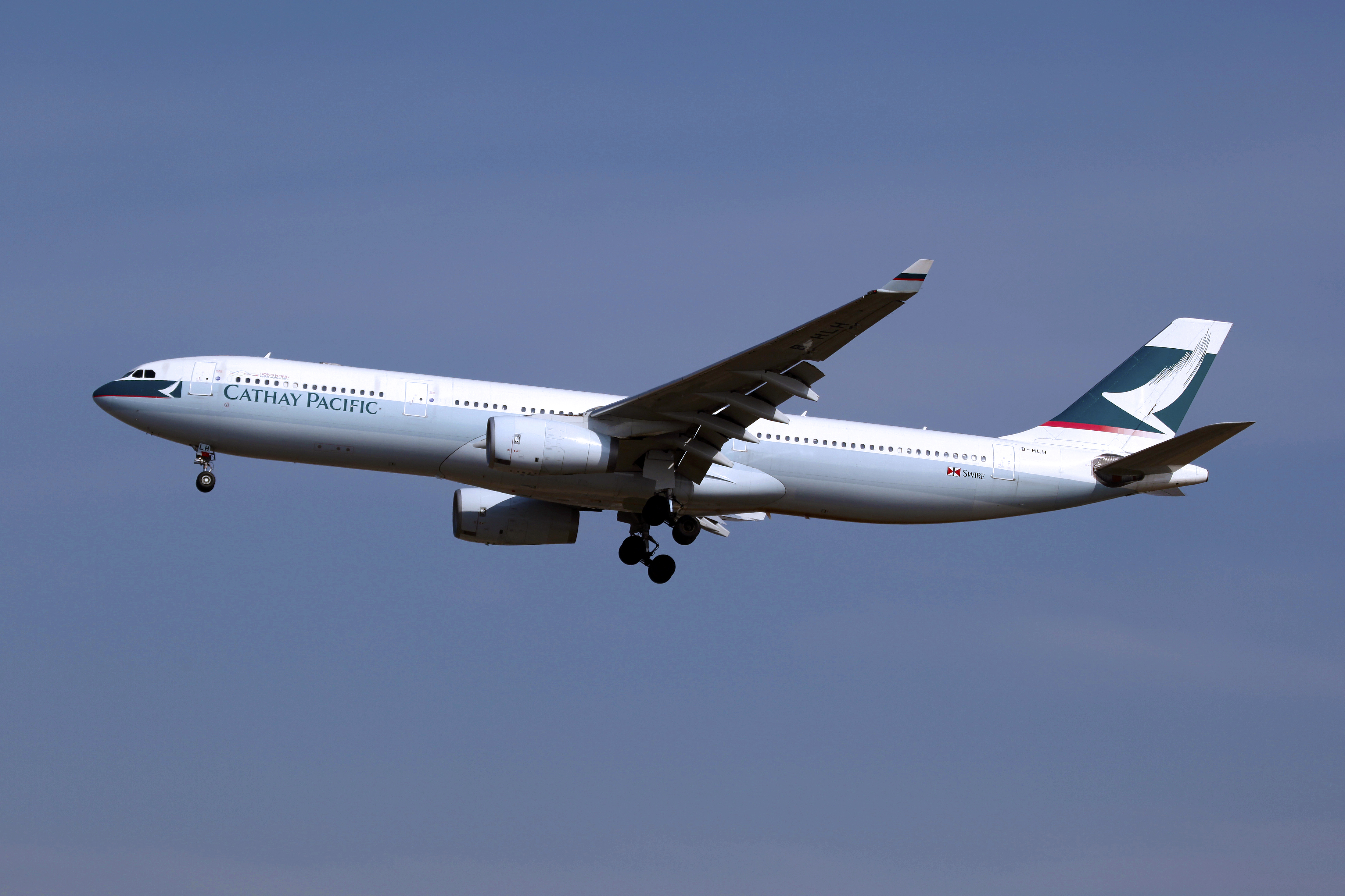 B-HLH_-_Cathay_Pacific_-_Airbus_A330-342_-_ICN_(16189426974)